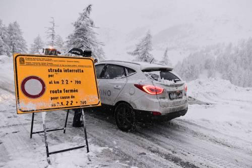 Maltempo, strade interrotte a Cervinia 11