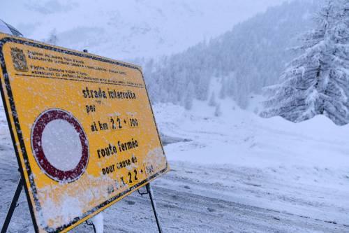 Maltempo, strade interrotte a Cervinia 12