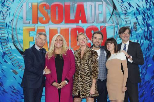 Isola dei Famosi 2018, Alessia Marcuzzi e gli opinionisti 14
