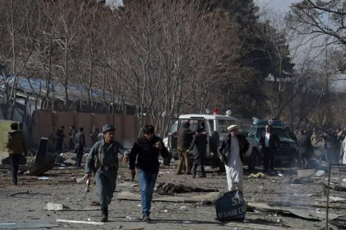 I feriti nell'attentato di Kabul 4