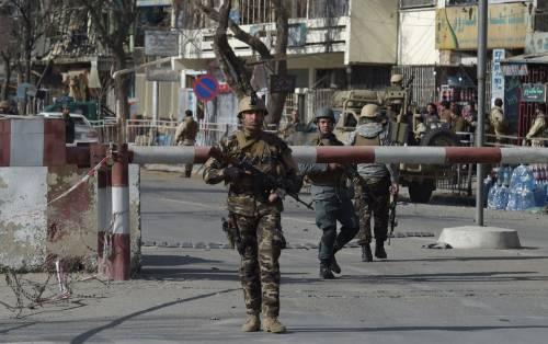 I feriti nell'attentato di Kabul 7