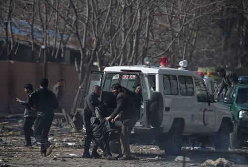 I feriti nell'attentato di Kabul 10