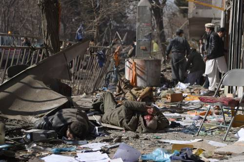 I feriti nell'attentato di Kabul 11