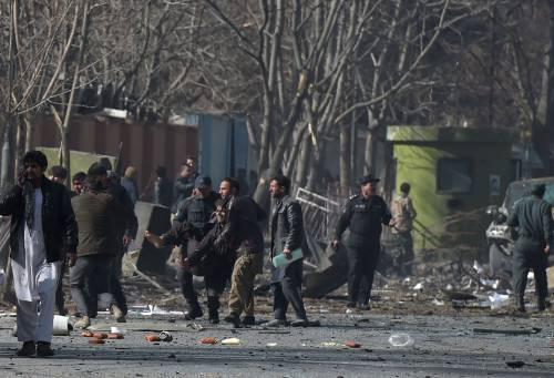 I feriti nell'attentato di Kabul 13