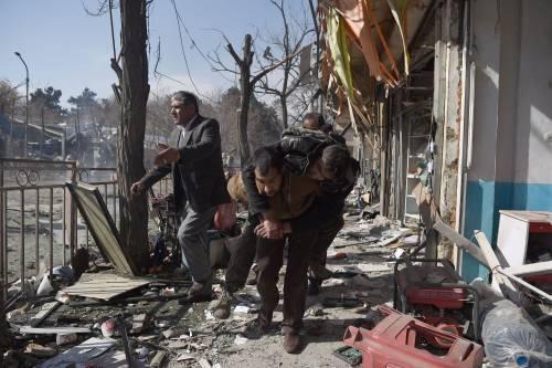 I feriti nell'attentato di Kabul 15