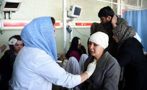 I feriti nell'attentato di Kabul 16