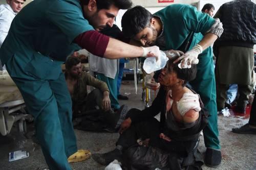 I feriti nell'attentato di Kabul 18