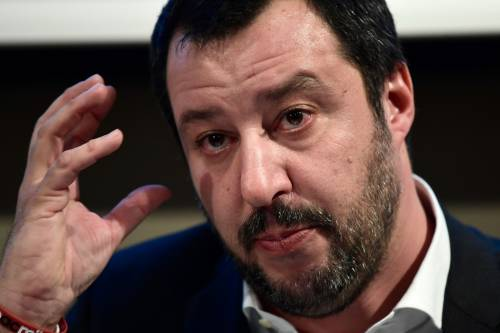 """Salvini cambia pelle alla Lega: via """"Nord"""" e """"Padania"""""""