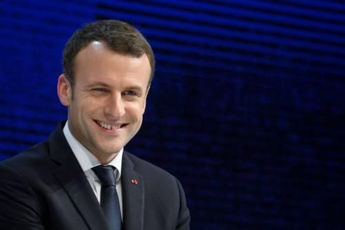 """Macron rilancia la lingua francese per provare a """"conquistare"""" l'Africa"""