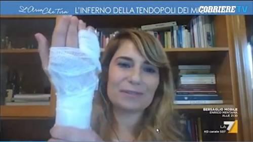 """Giornalista di La7 aggredita nel centro di Rosarno:  """"Migrante mi ha inseguita con un martello"""""""