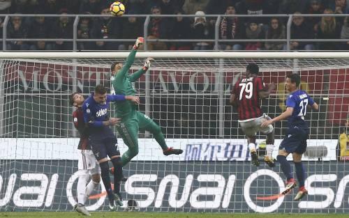 Tutto rimandato tra Milan e Lazio