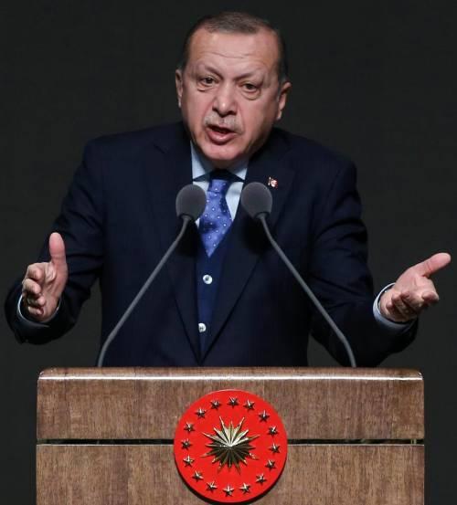 Erdogan, le accuse e quel prete ucciso