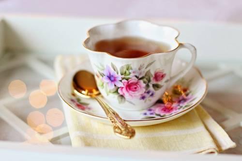 Bere tè caldo aumenta  rischio cancro esofageo