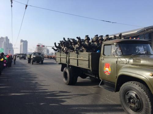 Corea del Nord, in parata i missili intercontinentali