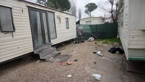 Camping River, tra degrado, roghi e sporcizia 7