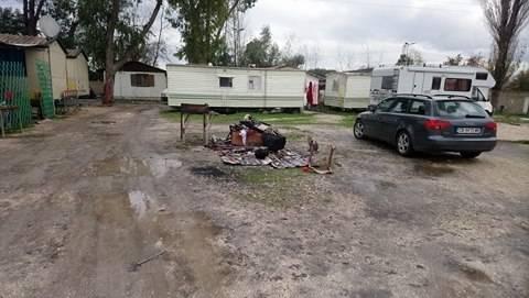 Camping River, tra degrado, roghi e sporcizia 9