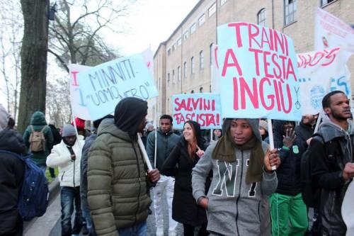 Macerata, dopo le foibe, altri cori choc: gli antifascisti contro Nassiriya