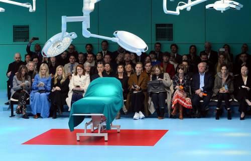 Gucci, la sfilata è nella sala operatoria 9
