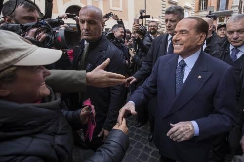 """Berlusconi: """"Pronto a candidarmi premier tra un anno"""""""