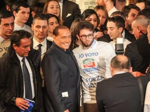 L'affetto che circonda Berlusconi a Milano 4