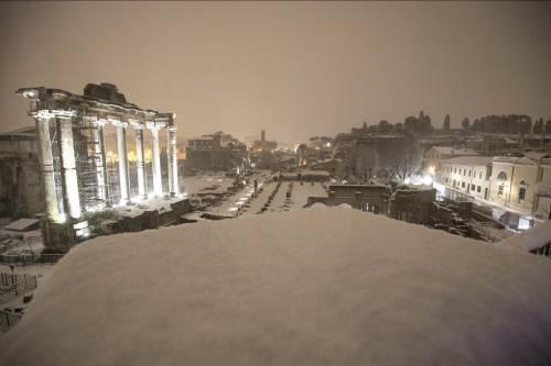 È arrivato Burian, gelo sull'Italia Roma imbiancata sotto la neve
