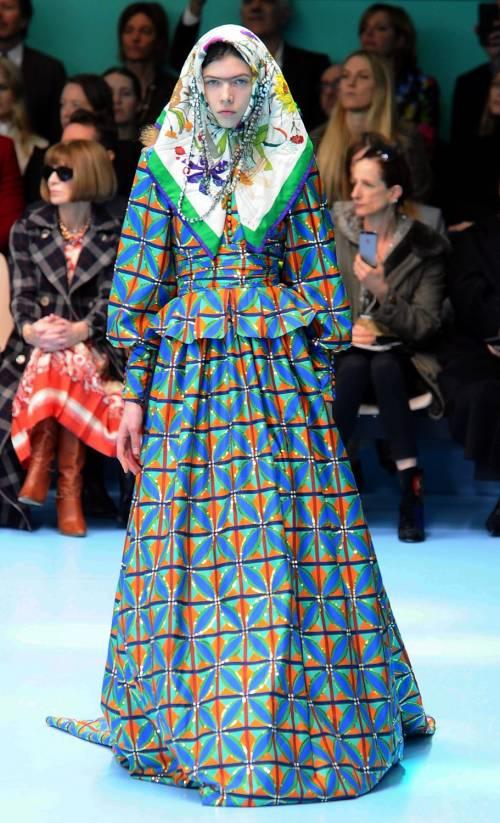 1b54fe9712404e Le teste mozzate diventano virali: ecco la Gucci Challenge ...