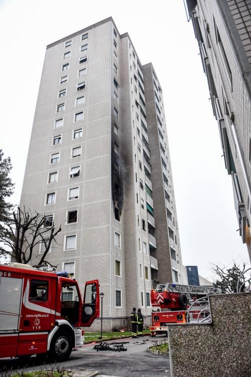 Incendio in un palazzo di 14 piani a milano for Palazzo a due piani