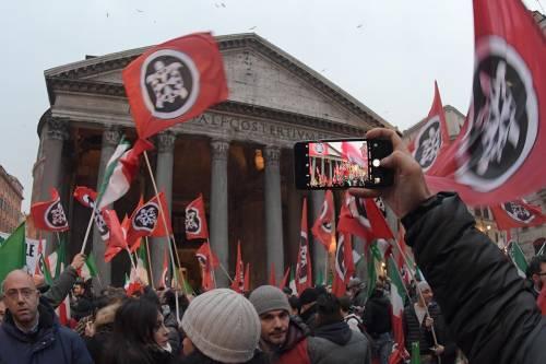 """Ora la sinistra provoca Salvini: """"Sgombera anche la sede di CasaPound"""""""