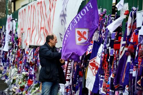 L'ultimo saluto ad Astori: i tifosi della Fiorentina in massa a Coverciano 3