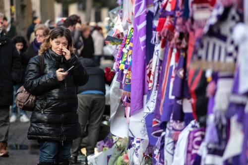 L'ultimo saluto ad Astori: i tifosi della Fiorentina in massa a Coverciano 4