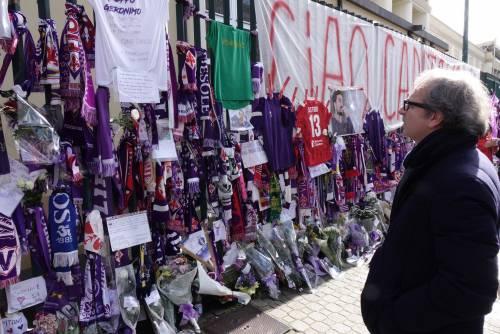 L'ultimo saluto ad Astori: i tifosi della Fiorentina in massa a Coverciano 6