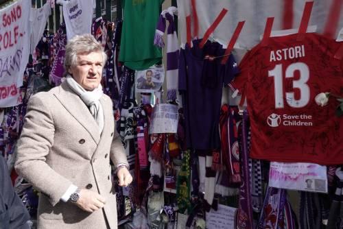 L'ultimo saluto ad Astori: i tifosi della Fiorentina in massa a Coverciano 7