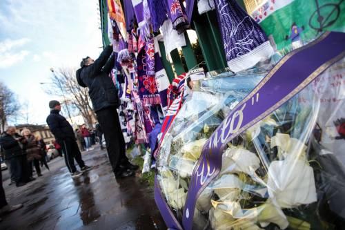 L'ultimo saluto ad Astori: i tifosi della Fiorentina in massa a Coverciano 13
