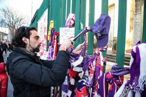 L'ultimo saluto ad Astori: i tifosi della Fiorentina in massa a Coverciano 14
