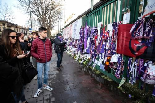L'ultimo saluto ad Astori: i tifosi della Fiorentina in massa a Coverciano 15