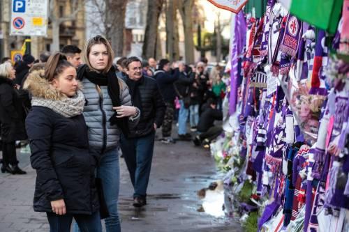 L'ultimo saluto ad Astori: i tifosi della Fiorentina in massa a Coverciano 16