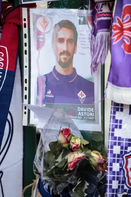 L'ultimo saluto ad Astori: i tifosi della Fiorentina in massa a Coverciano 17