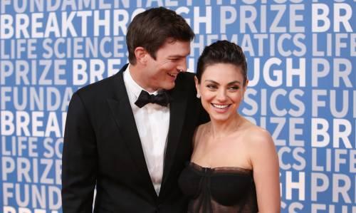Ashton Kutcher e Mila Kunis sexy insieme 4