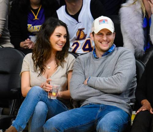Ashton Kutcher e Mila Kunis sexy insieme 6