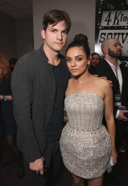 Ashton Kutcher e Mila Kunis sexy insieme 8