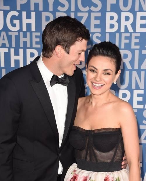 Ashton Kutcher e Mila Kunis sexy insieme 13