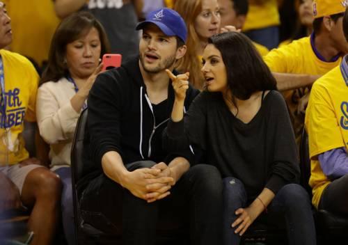 Ashton Kutcher e Mila Kunis sexy insieme 15
