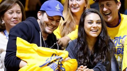 Ashton Kutcher e Mila Kunis sexy insieme 2