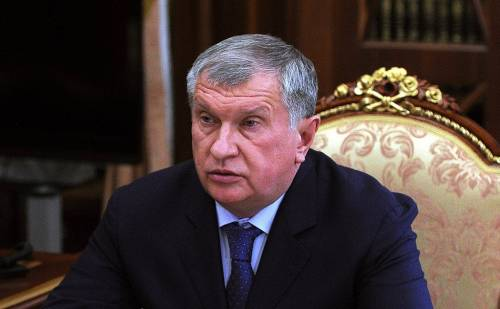 """Igor Sechin, il """"cardinale"""" di Putin, boccia l'euro"""