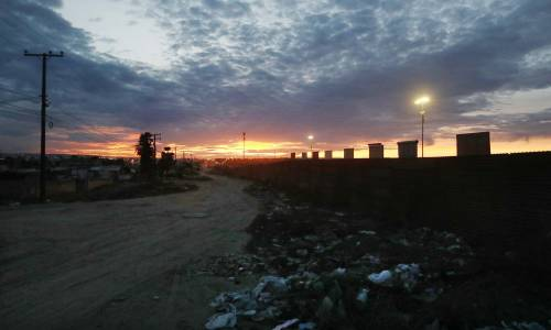 I prototipi del muro anti migranti con il Messico 4