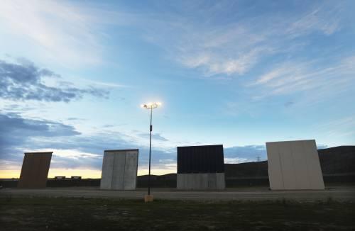I prototipi del muro anti migranti con il Messico 10