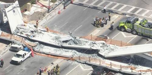 Miami, crolla ponte pedonale sulle auto 4