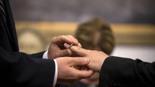Usa, negati i visti ai partner gay dei diplomatici non sposati