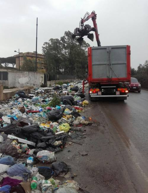 A Roma è di nuovo emergenza rifiuti