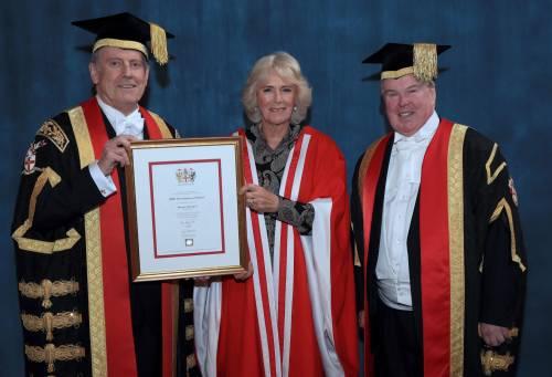 Camilla Parker Bowles, dottorato honoris causa 5